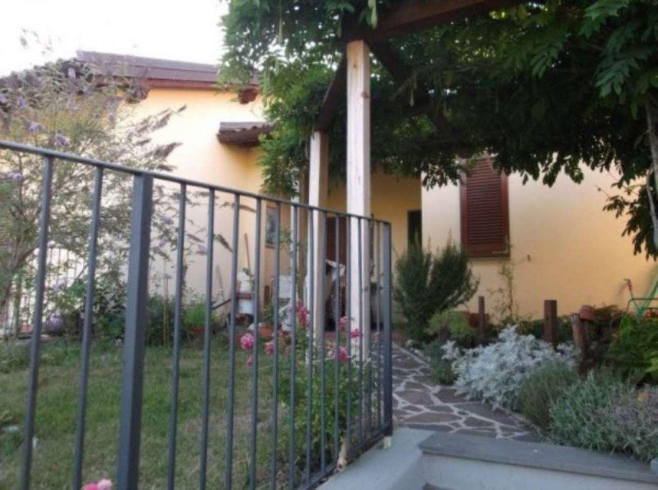 Villa a Schiera in vendita a Vernio, 5 locali, prezzo € 140.000 | Cambio Casa.it