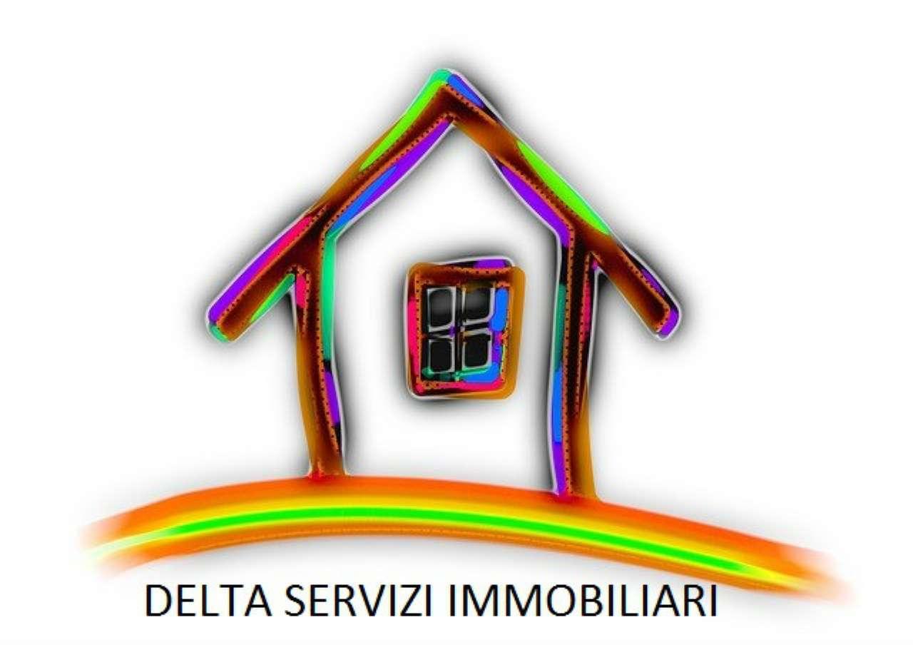 Villa in vendita a Calenzano, 10 locali, prezzo € 295.000 | Cambio Casa.it