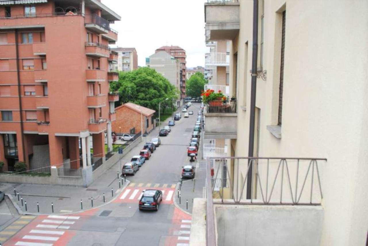 Bilocale Torino Via Tempio Pausania 11