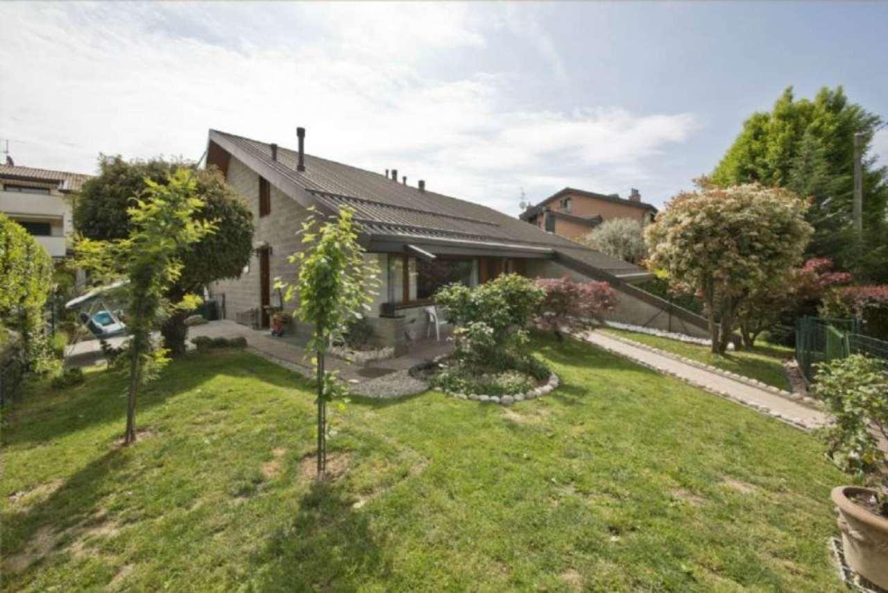 Villa in vendita a Triuggio, 5 locali, prezzo € 310.000 | Cambio Casa.it