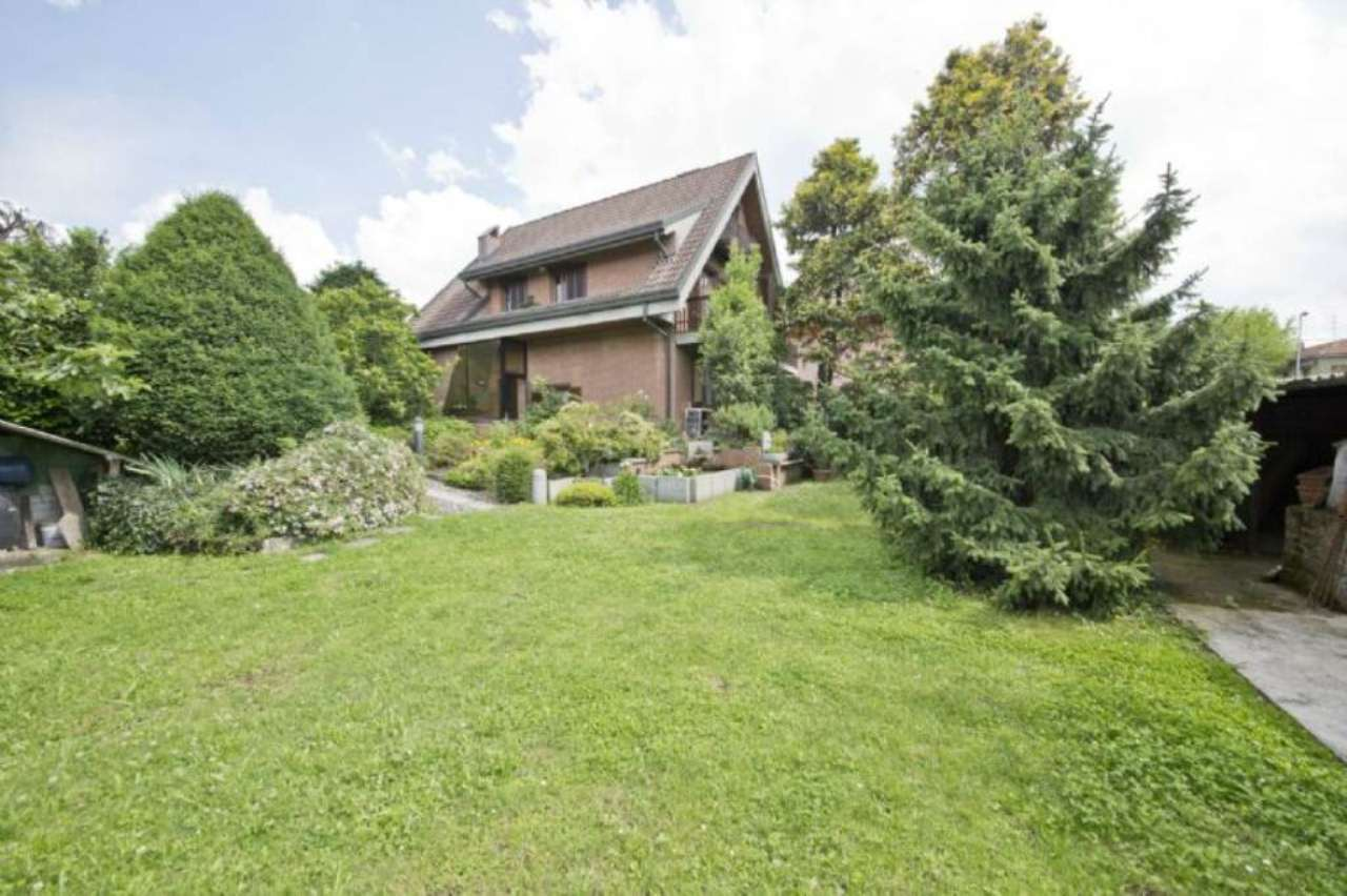 Villa in vendita a Desio, 6 locali, prezzo € 500.000 | Cambio Casa.it