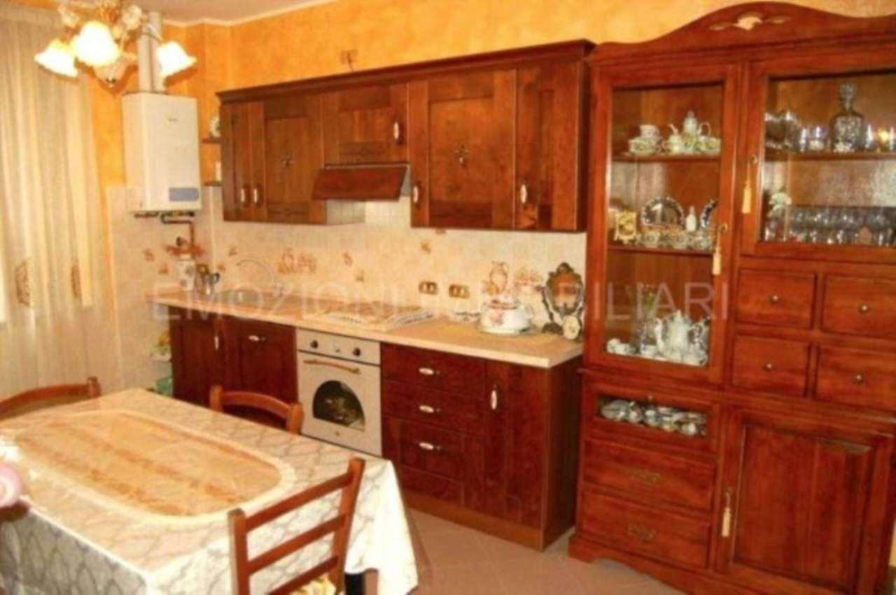 Appartamento in vendita a Carugate, 3 locali, prezzo € 200.000 | Cambio Casa.it