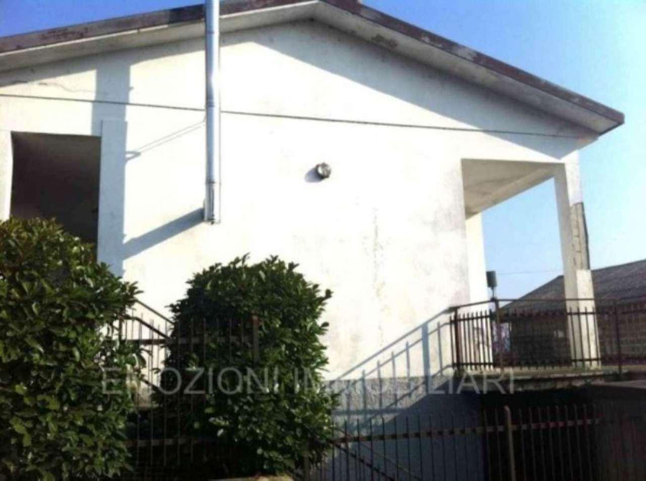 Soluzione Indipendente in vendita a Truccazzano, 3 locali, prezzo € 350.000 | Cambio Casa.it