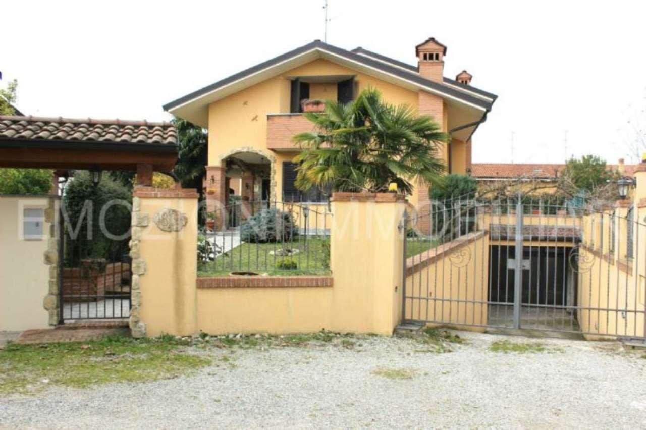 Soluzione Indipendente in vendita a Brugherio, 4 locali, Trattative riservate | Cambio Casa.it