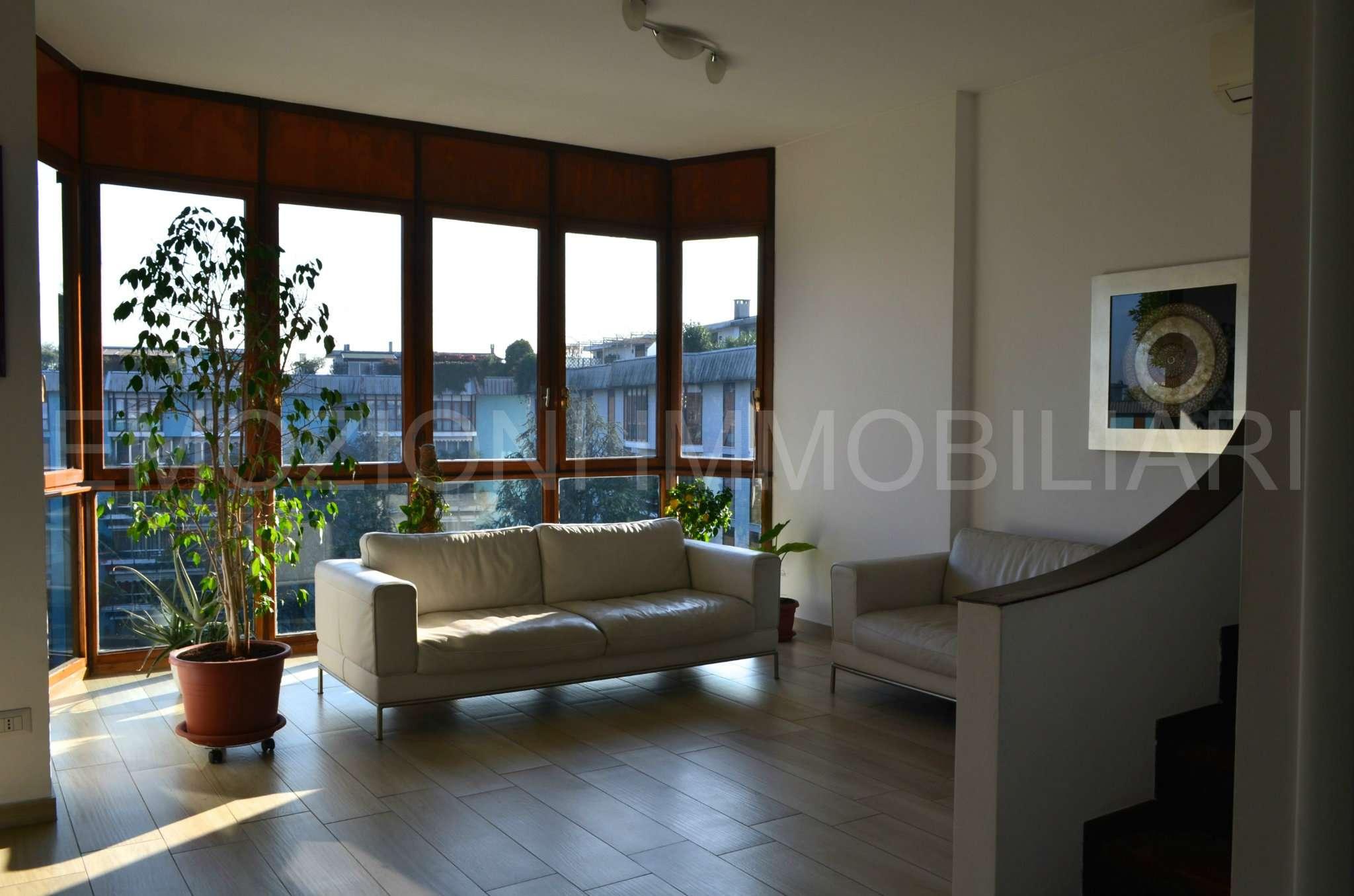 Attico / Mansarda in vendita a Brugherio, 4 locali, prezzo € 450.000 | Cambio Casa.it