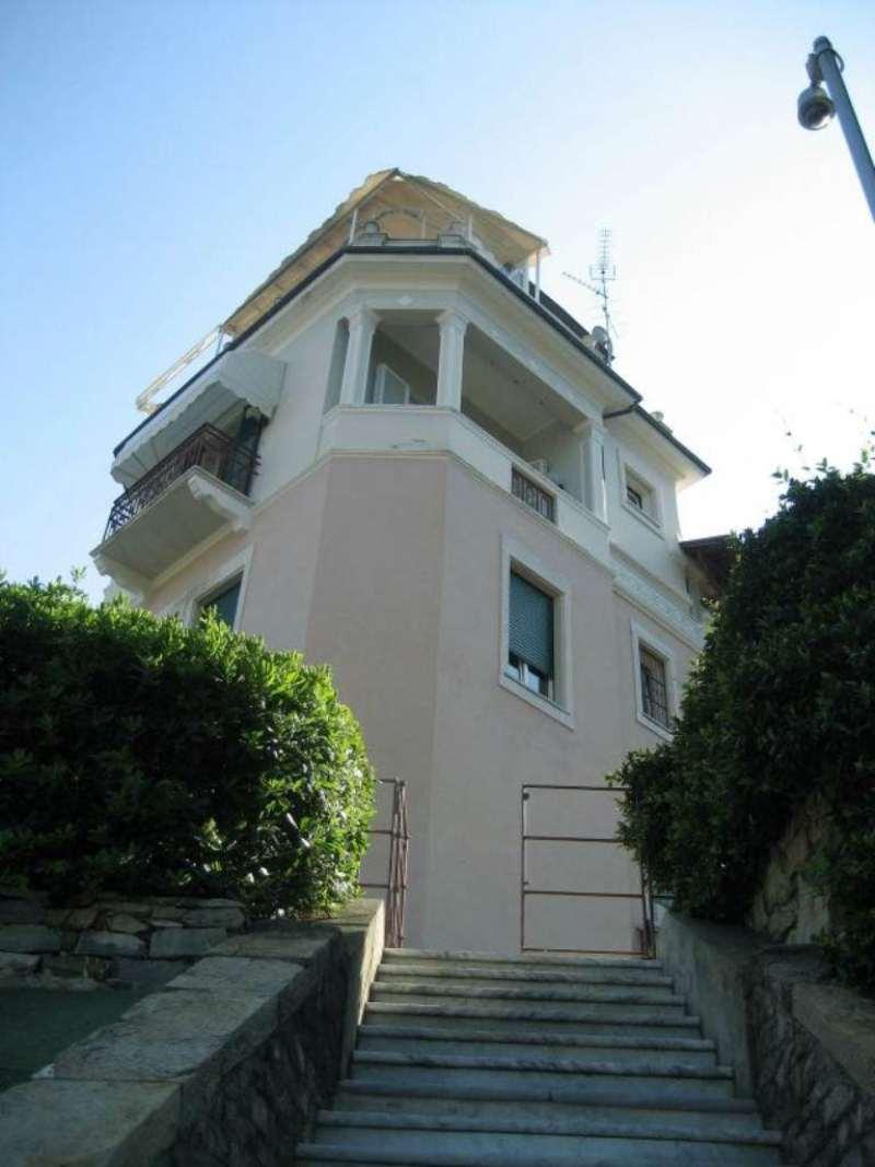 Villa in vendita a Rapallo, 5 locali, prezzo € 1.800.000 | CambioCasa.it