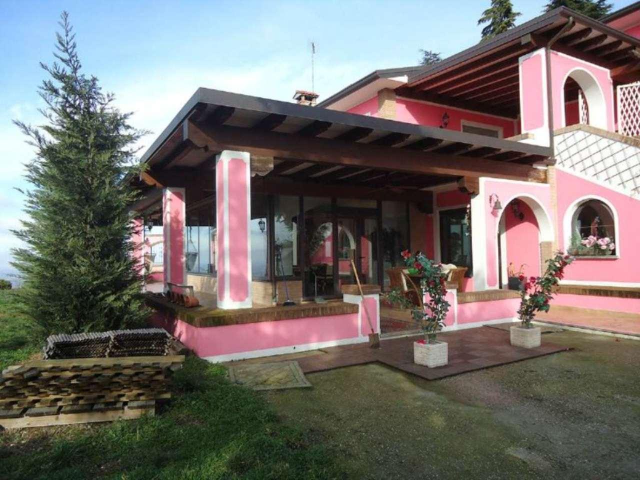 Villa in vendita a Pietra de' Giorgi, 9 locali, prezzo € 1.300.000 | Cambio Casa.it