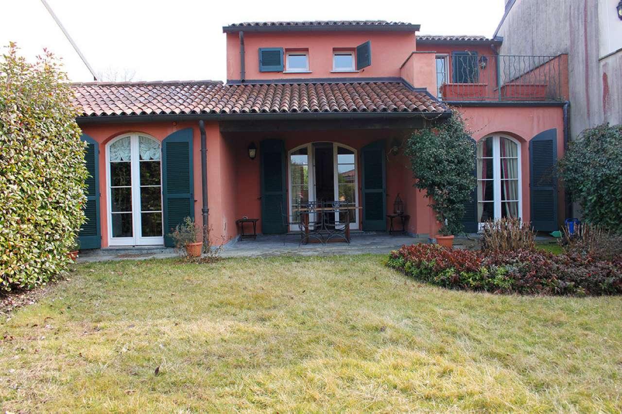 Villa in vendita a Bogogno, 6 locali, prezzo € 550.000 | Cambio Casa.it