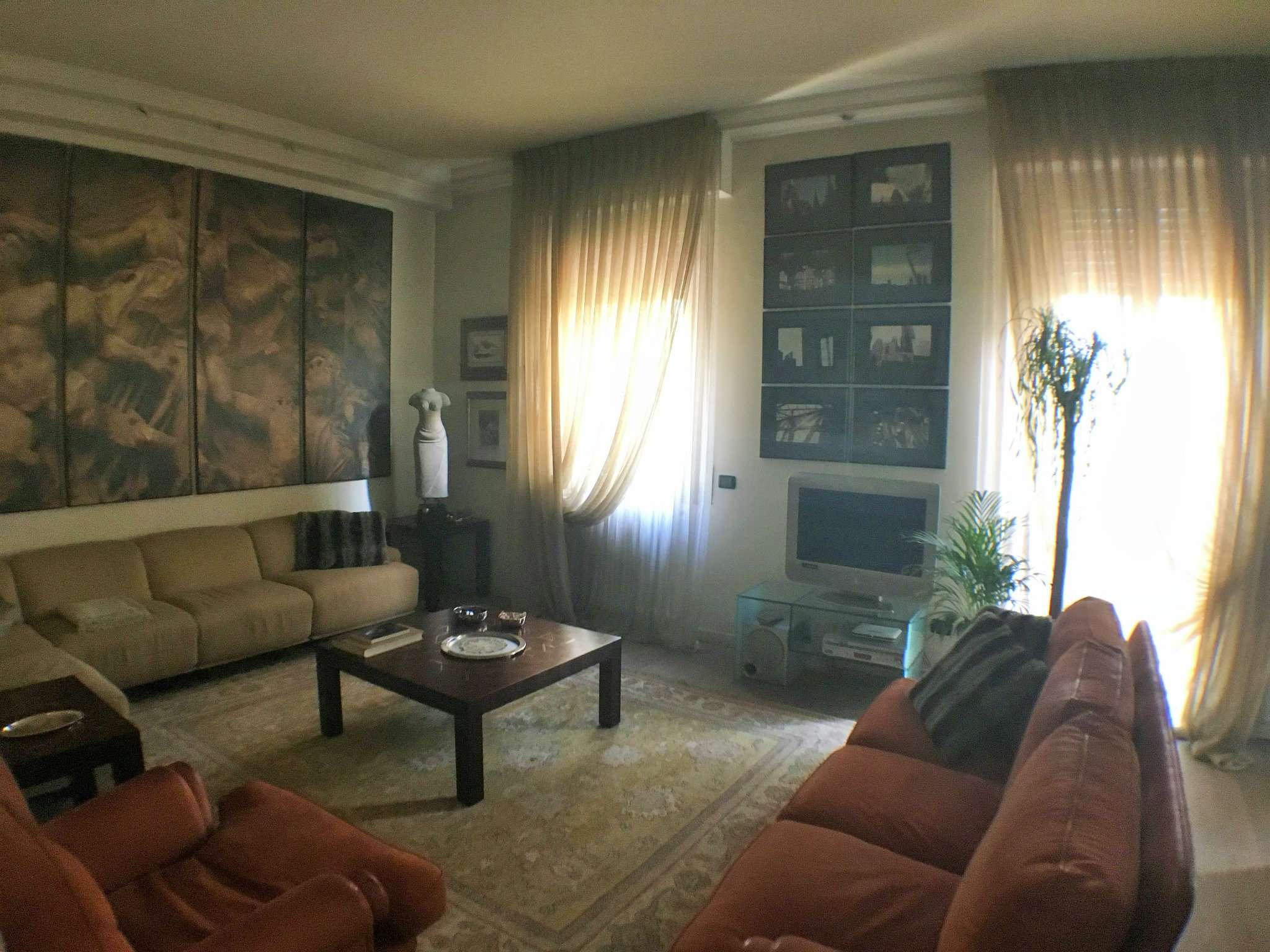 Villa in vendita a Milano, 10 locali, zona Zona: 18 . St. Garibaldi, Isola, Maciachini, Stelvio, Monumentale, prezzo € 1.200.000 | Cambio Casa.it