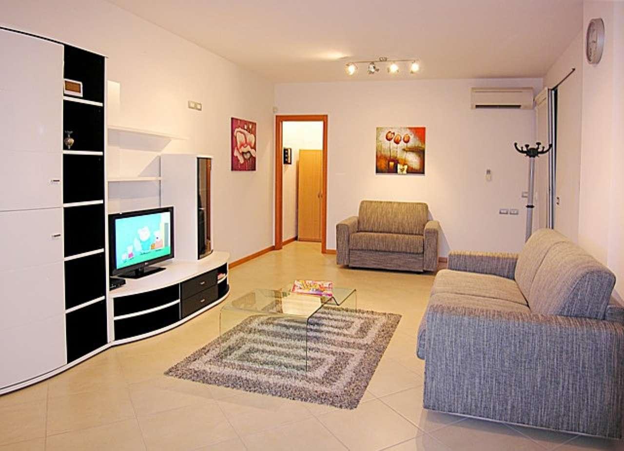 Appartamento in vendita a San Michele al Tagliamento, 9 locali, prezzo € 440.000   CambioCasa.it