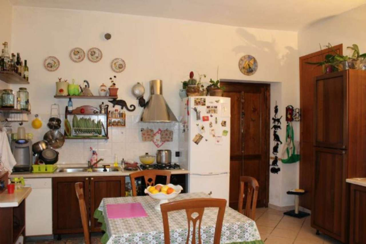 Appartamento in vendita a Buguggiate, 2 locali, prezzo € 45.000 | Cambio Casa.it