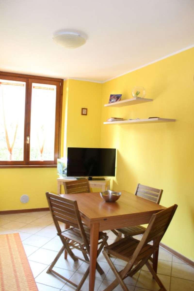Appartamento in affitto a Azzate, 2 locali, prezzo € 450 | Cambio Casa.it