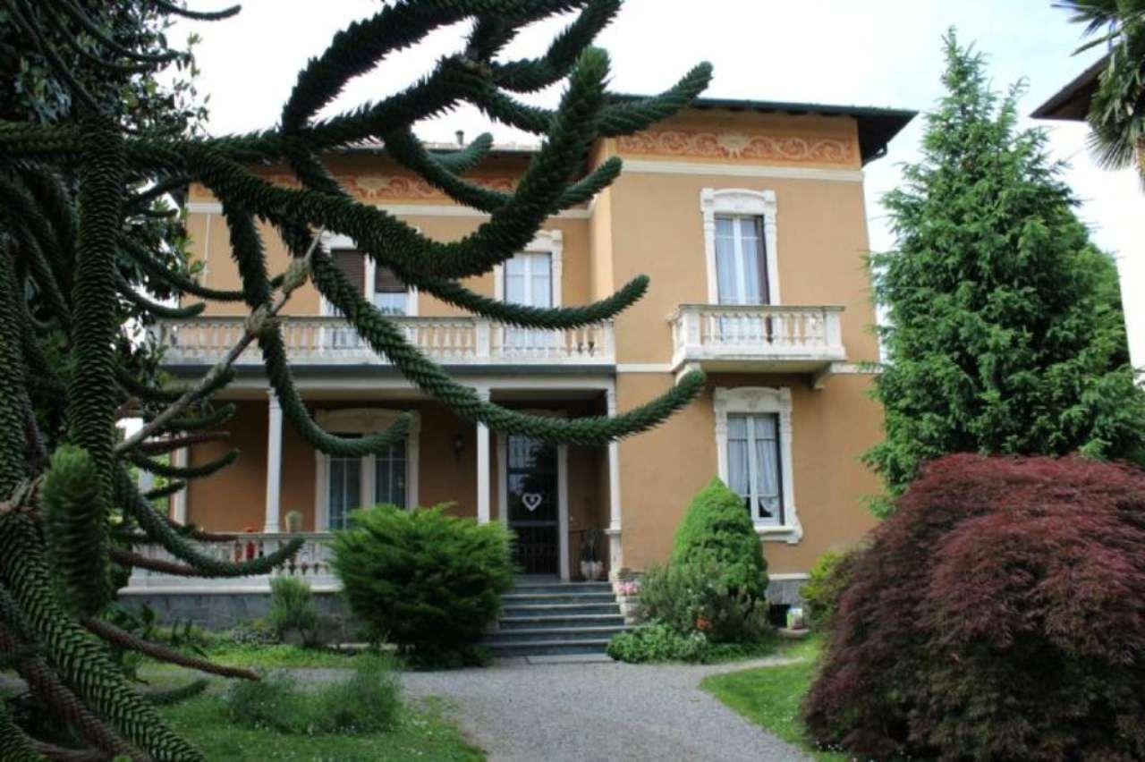 Villa in Vendita a Castronno