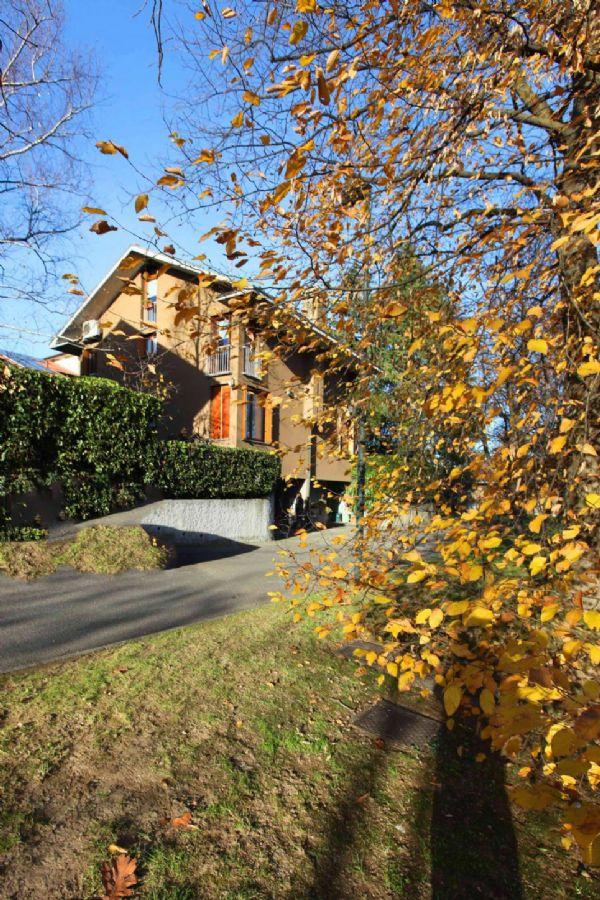 Villa in vendita a Galliate Lombardo, 4 locali, prezzo € 250.000 | Cambio Casa.it
