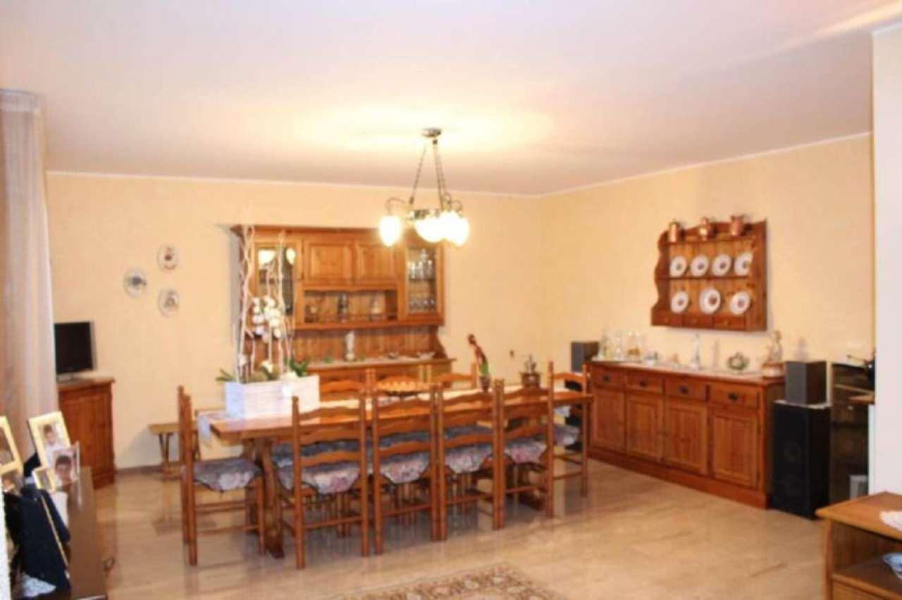 Villa in vendita a Solbiate Arno, 5 locali, prezzo € 190.000 | Cambio Casa.it