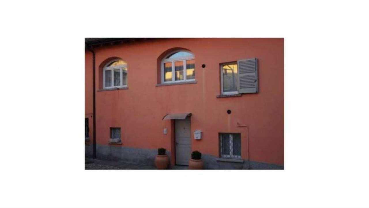 Appartamento in vendita a Cocquio-Trevisago, 3 locali, prezzo € 190.000 | Cambio Casa.it