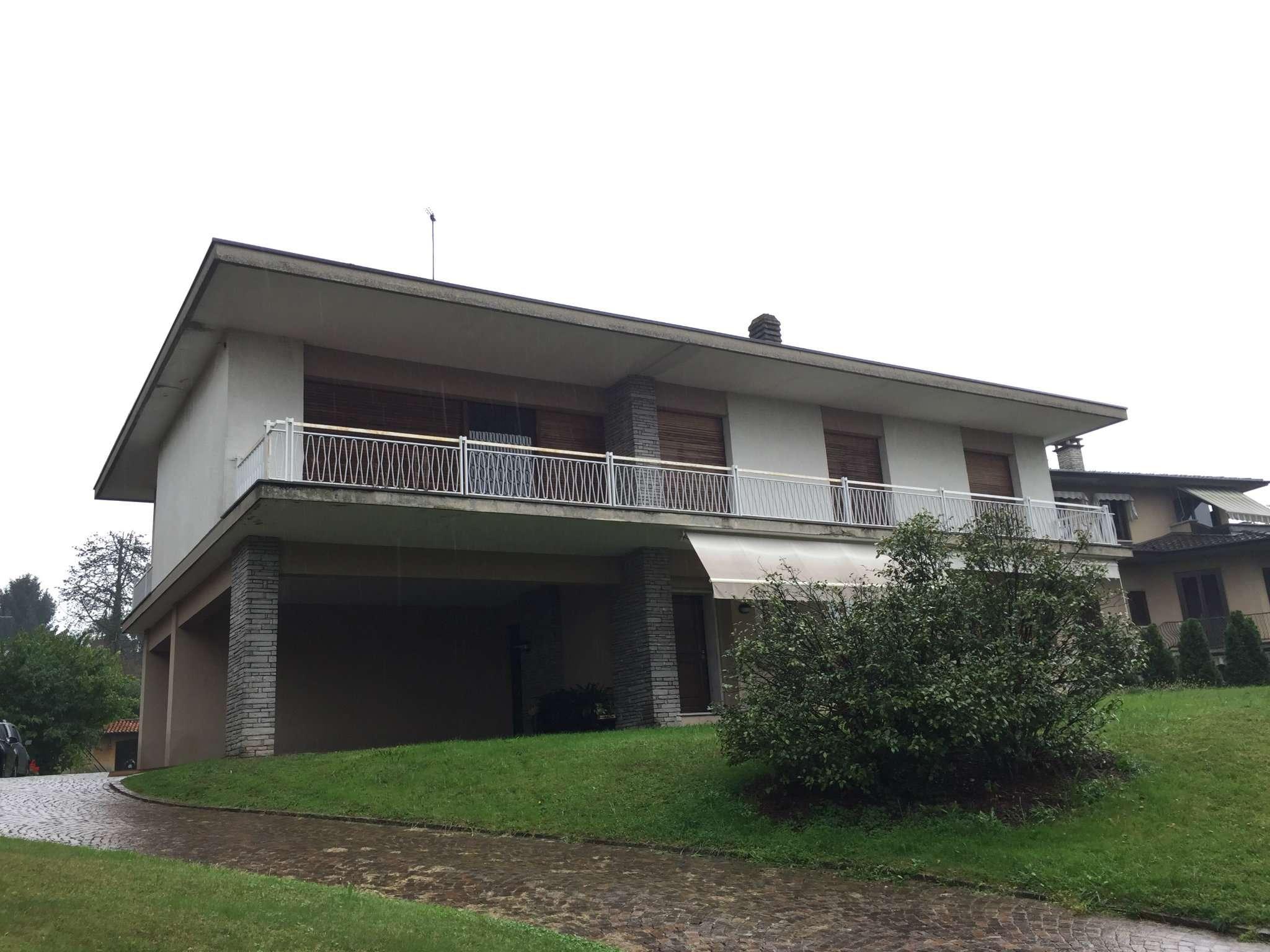 Appartamento in affitto a Buguggiate, 5 locali, prezzo € 900 | Cambio Casa.it