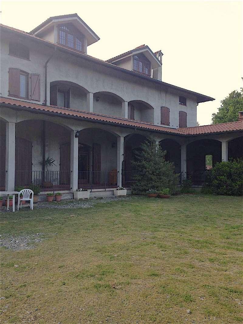 Rustico / Casale in vendita a Gattinara, 8 locali, prezzo € 650.000 | Cambio Casa.it