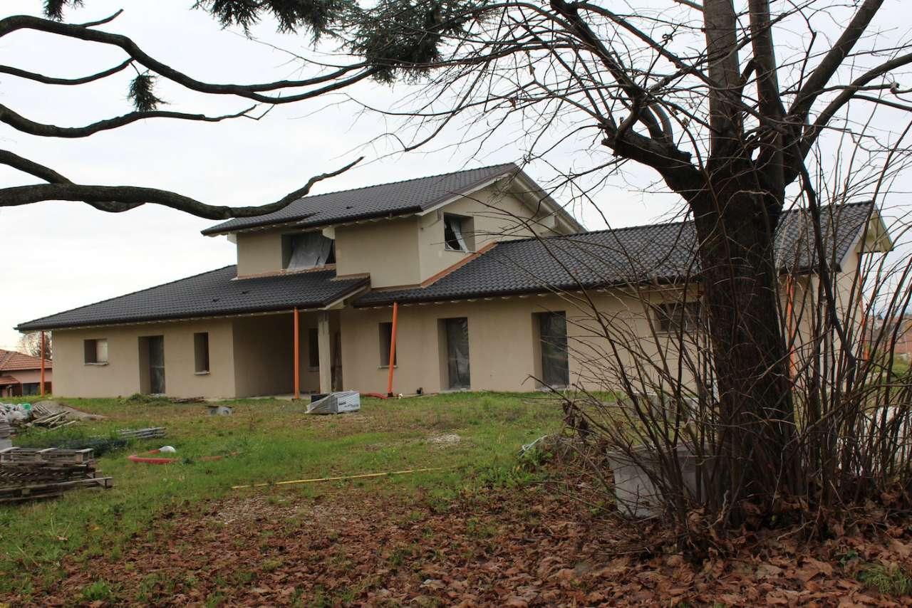 Villa in vendita a Sumirago, 7 locali, prezzo € 570.000 | Cambio Casa.it