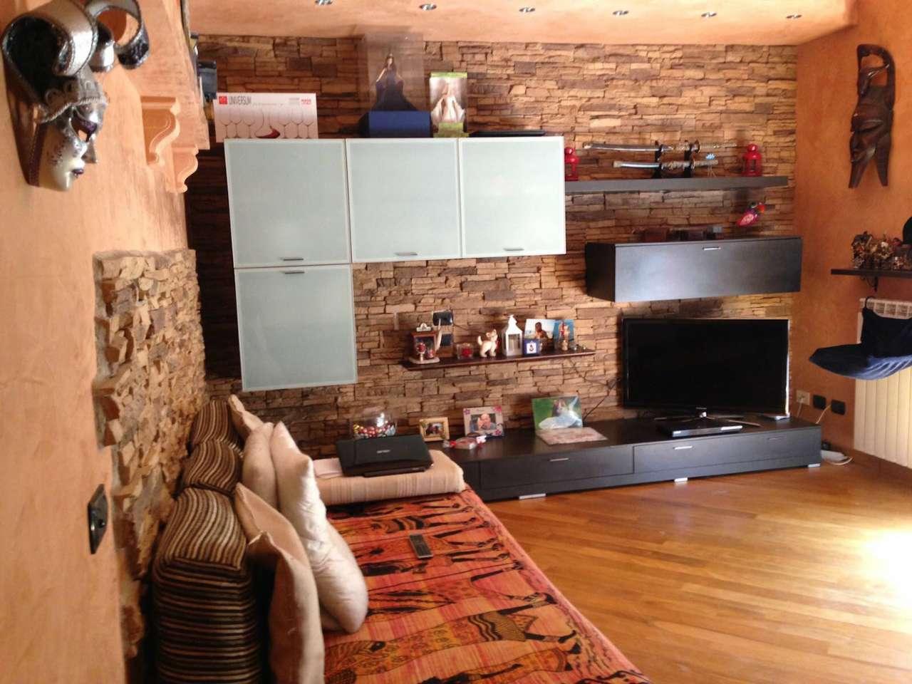 Appartamento in vendita a Gazzada Schianno, 2 locali, prezzo € 128.000 | Cambio Casa.it