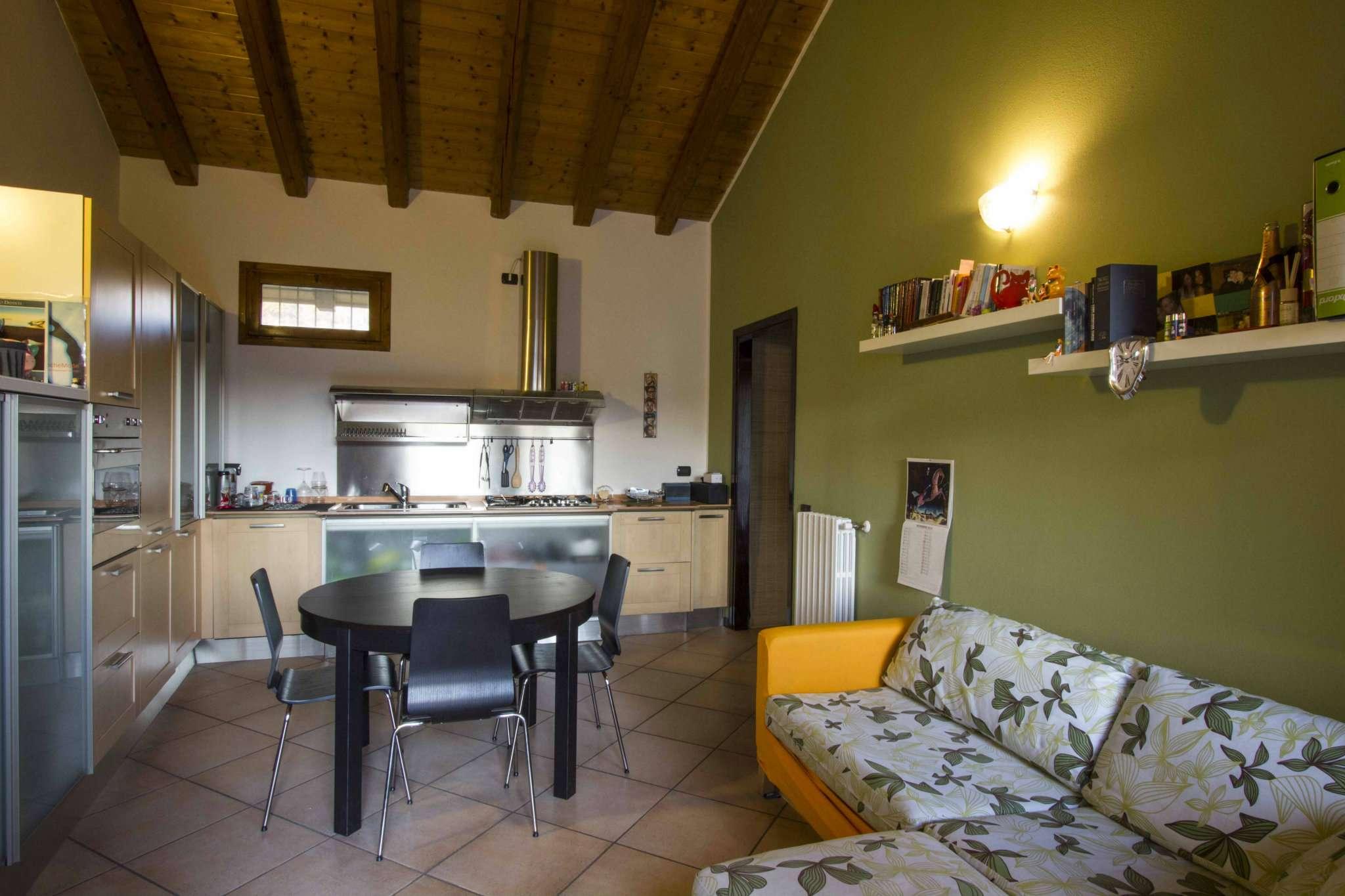 Appartamento in vendita a Crosio della Valle, 2 locali, prezzo € 93.000 | Cambio Casa.it