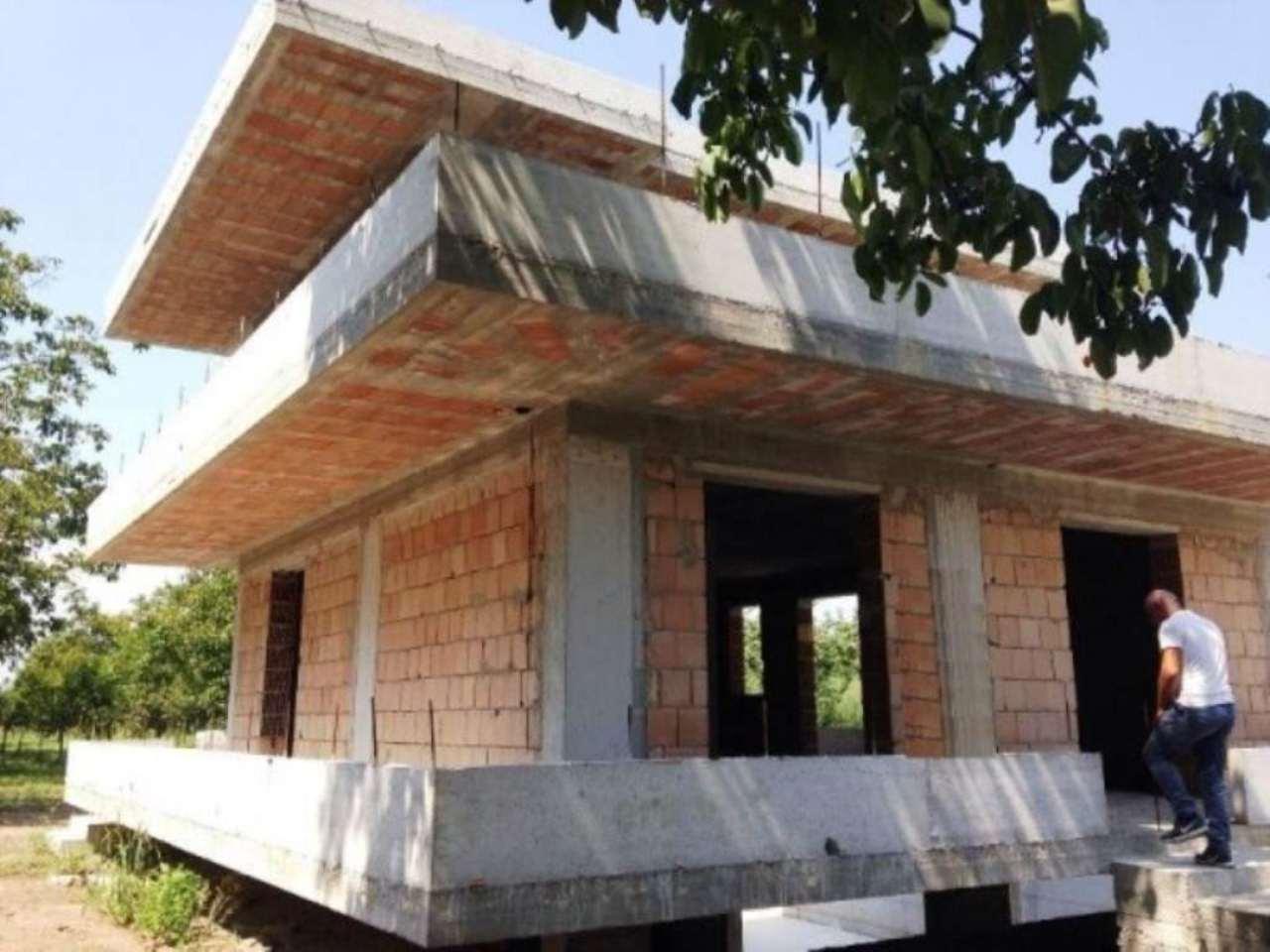 Villa in vendita a Mariglianella, 4 locali, Trattative riservate | Cambio Casa.it