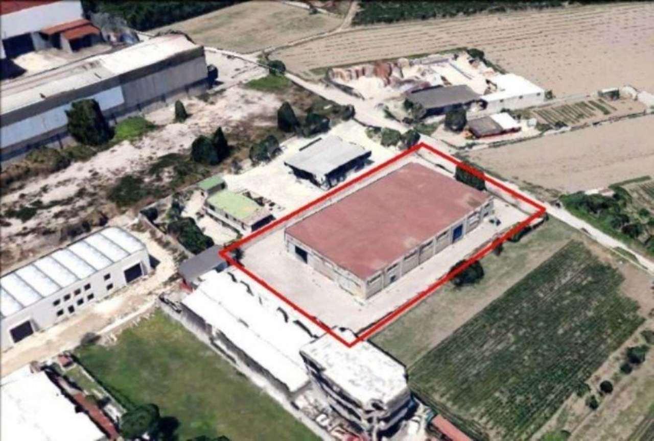 Capannone in vendita a San Vitaliano, 4 locali, Trattative riservate | Cambio Casa.it