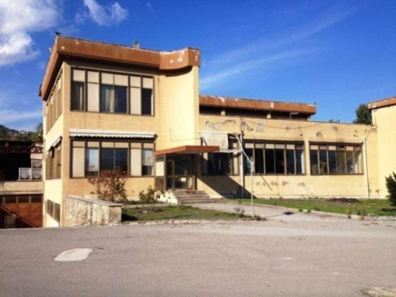 Capannone in affitto a Ottaviano, 2 locali, Trattative riservate | Cambio Casa.it