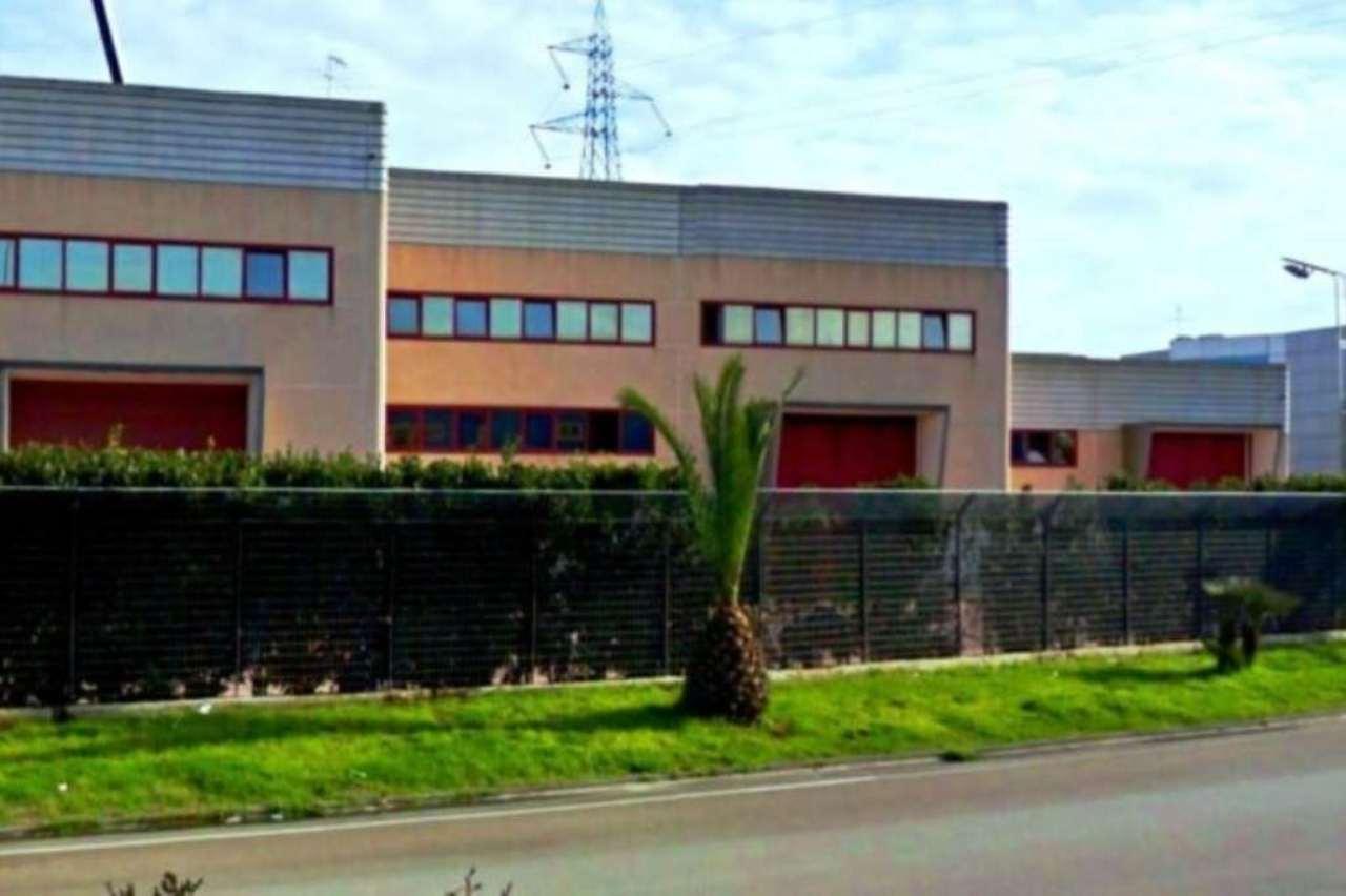 Capannone in affitto a Teverola, 3 locali, prezzo € 6.000 | Cambio Casa.it