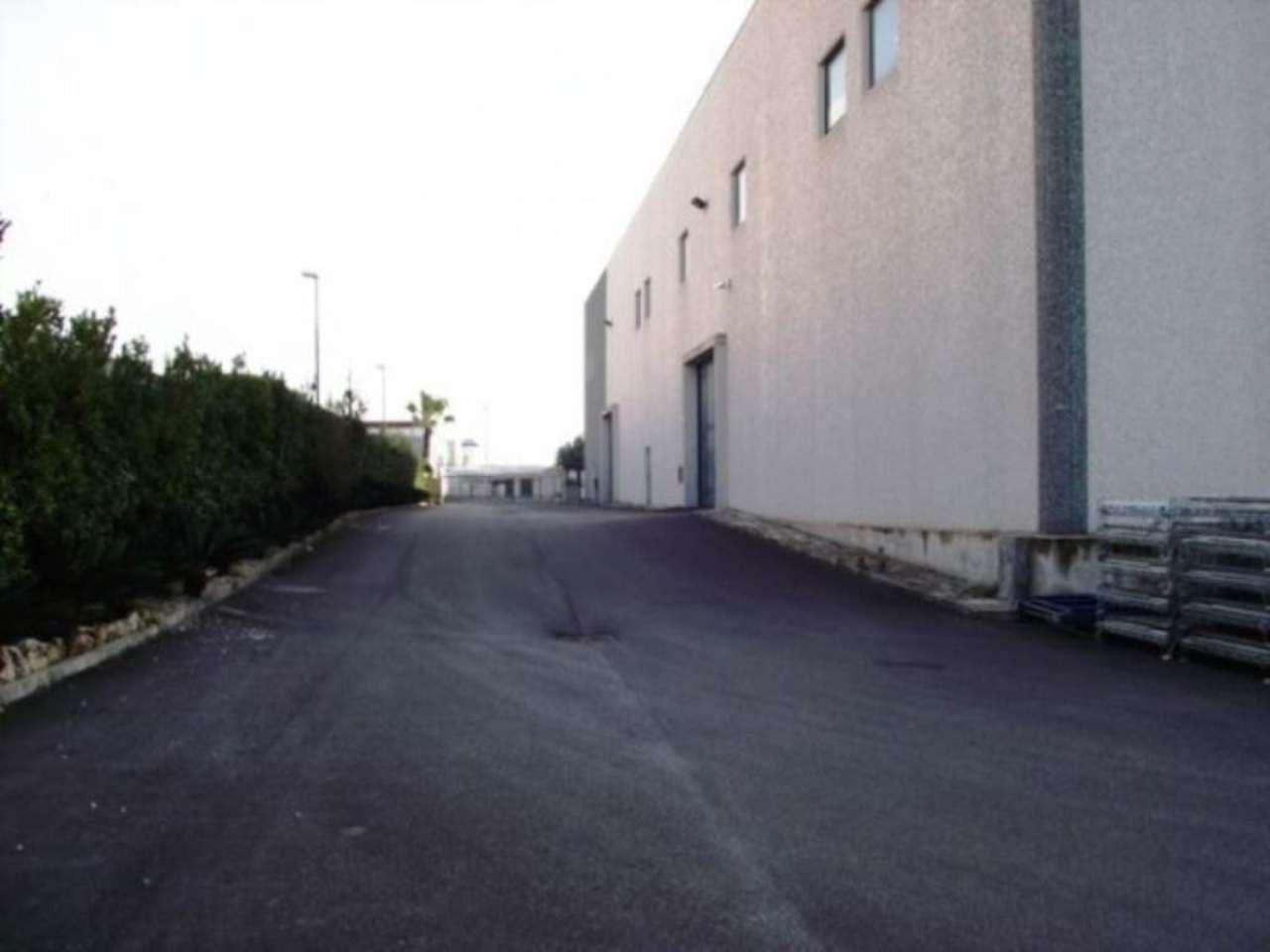 Capannone in affitto a Nola, 1 locali, Trattative riservate | Cambio Casa.it