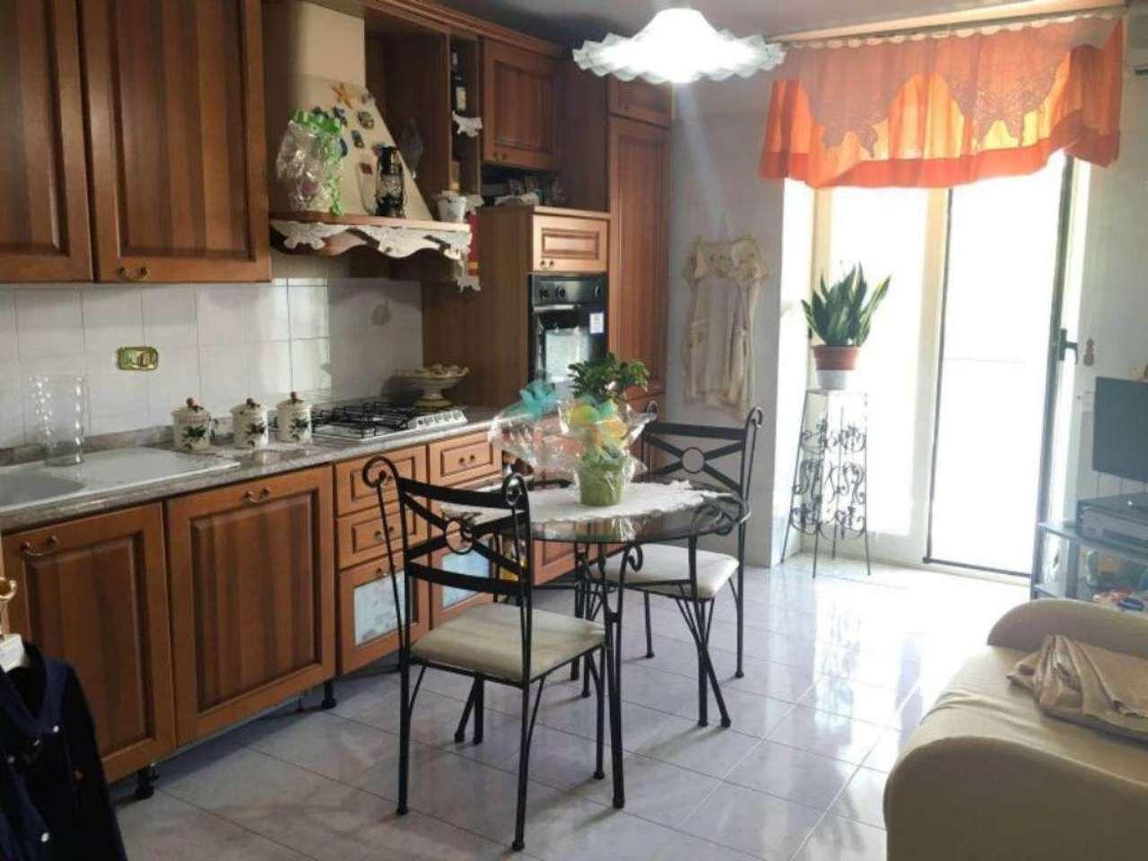 Appartamento in affitto a Somma Vesuviana, 7 locali, prezzo € 600 | Cambio Casa.it
