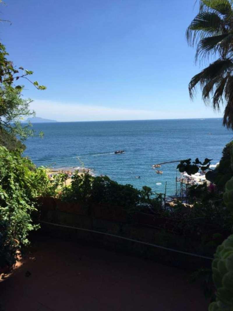 Villa in affitto a Napoli, 8 locali, zona Zona: 1 . Chiaia, Posillipo, San Ferdinando, prezzo € 4.000 | Cambio Casa.it