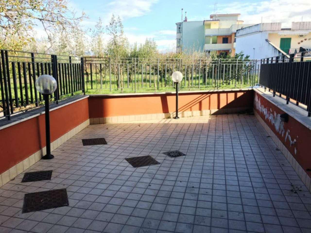 Appartamento in vendita a Castello di Cisterna, 3 locali, prezzo € 130.000 | Cambio Casa.it