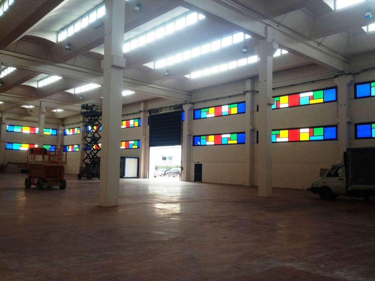 Capannone in affitto a Carinaro, 1 locali, Trattative riservate | Cambio Casa.it
