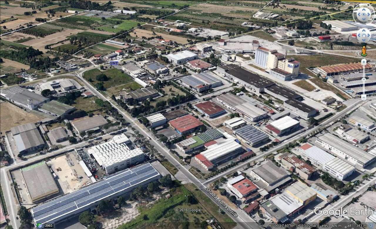 Negozio / Locale in affitto a Teverola, 4 locali, Trattative riservate | Cambio Casa.it