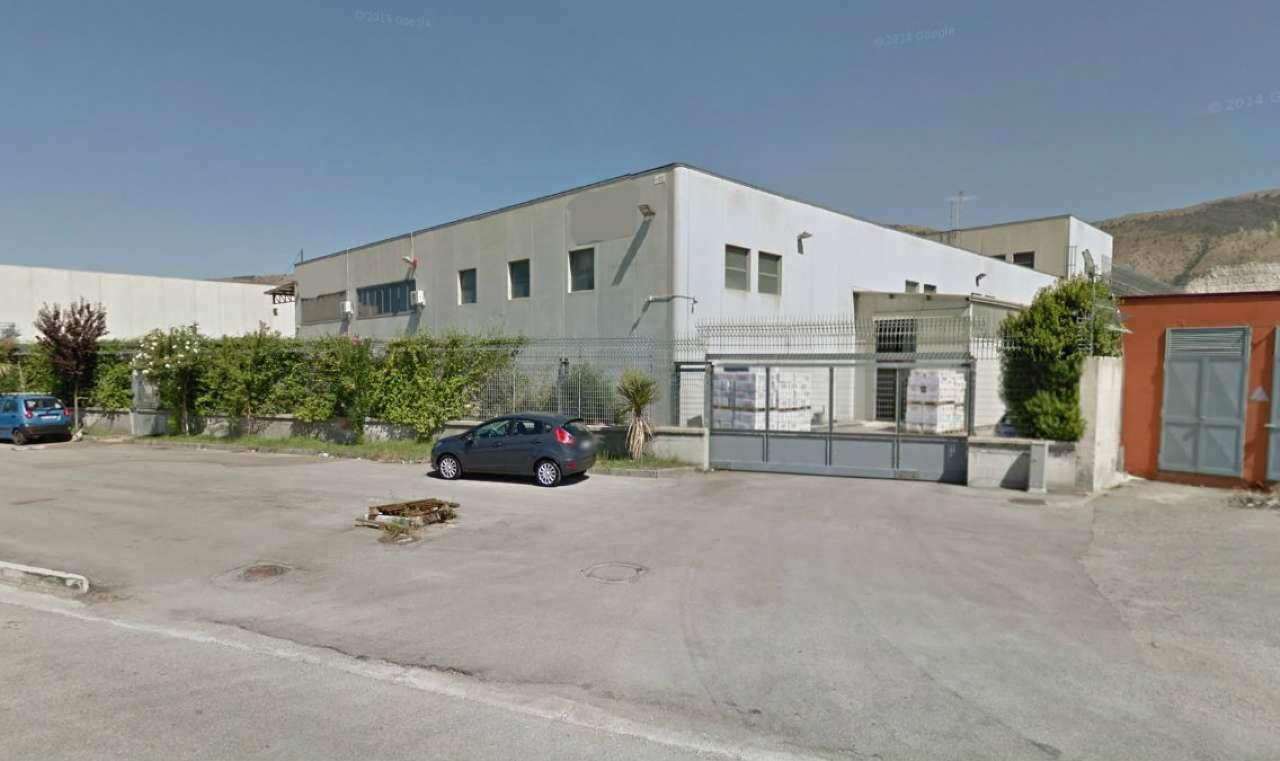 Capannone in affitto a Nola, 12 locali, Trattative riservate | Cambio Casa.it