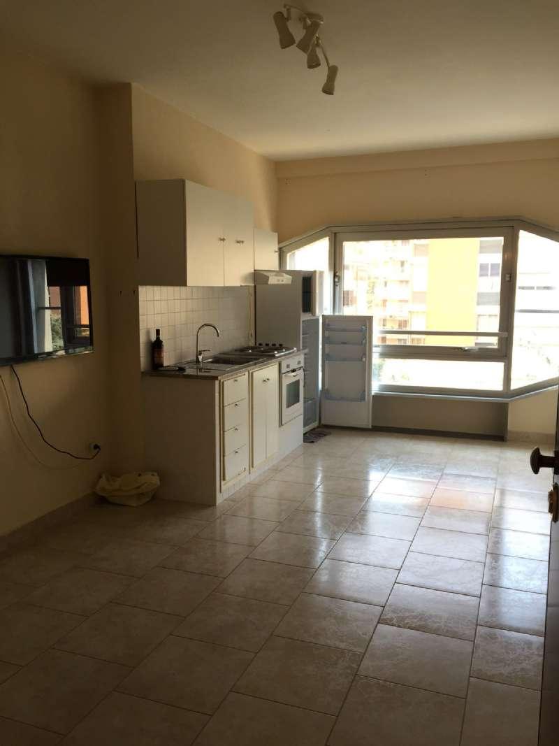 Appartamento in affitto a Napoli, 2 locali, zona Zona: 10 . Bagnoli, Fuorigrotta, Agnano, prezzo € 650 | Cambio Casa.it