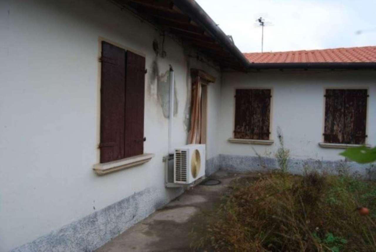 Appartamento in vendita a Camponogara, 6 locali, prezzo € 75.000 | Cambio Casa.it