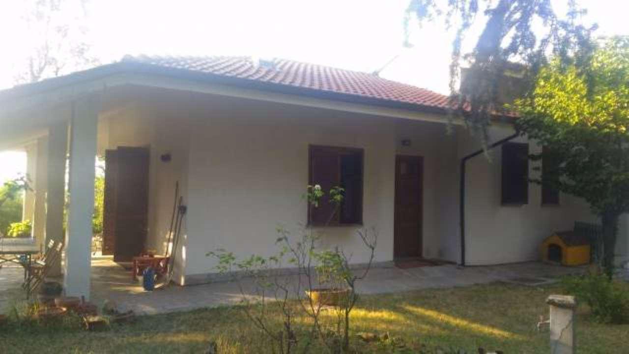 Villa in vendita a Pietra Marazzi, 4 locali, prezzo € 190.000 | CambioCasa.it