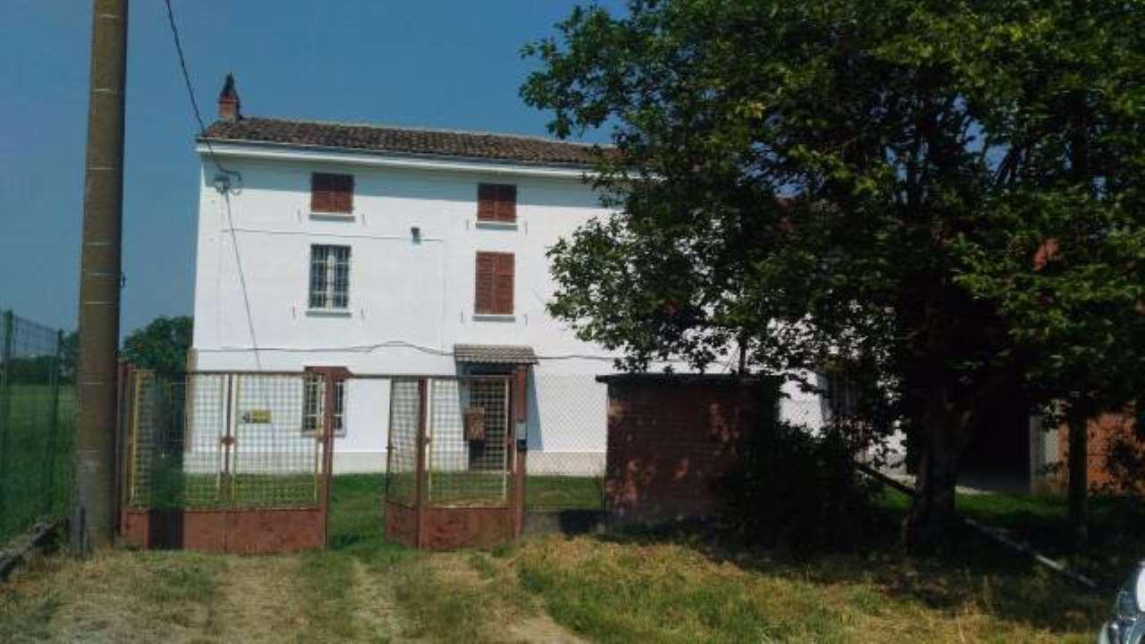 Rustico / Casale in vendita a Casal Cermelli, 4 locali, prezzo € 125.000 | CambioCasa.it