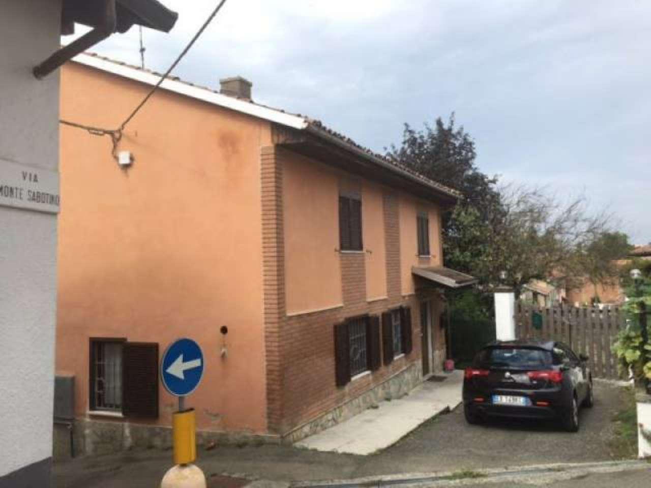 Soluzione Indipendente in vendita a Oviglio, 5 locali, prezzo € 95.000 | CambioCasa.it