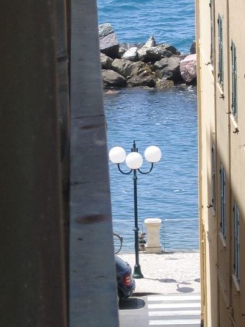 Appartamento in vendita a Chiavari, 6 locali, prezzo € 600.000 | Cambio Casa.it