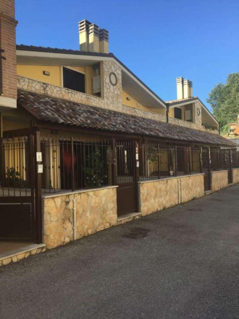 Villa Tri-Quadrifamiliare in Affitto a Perugia