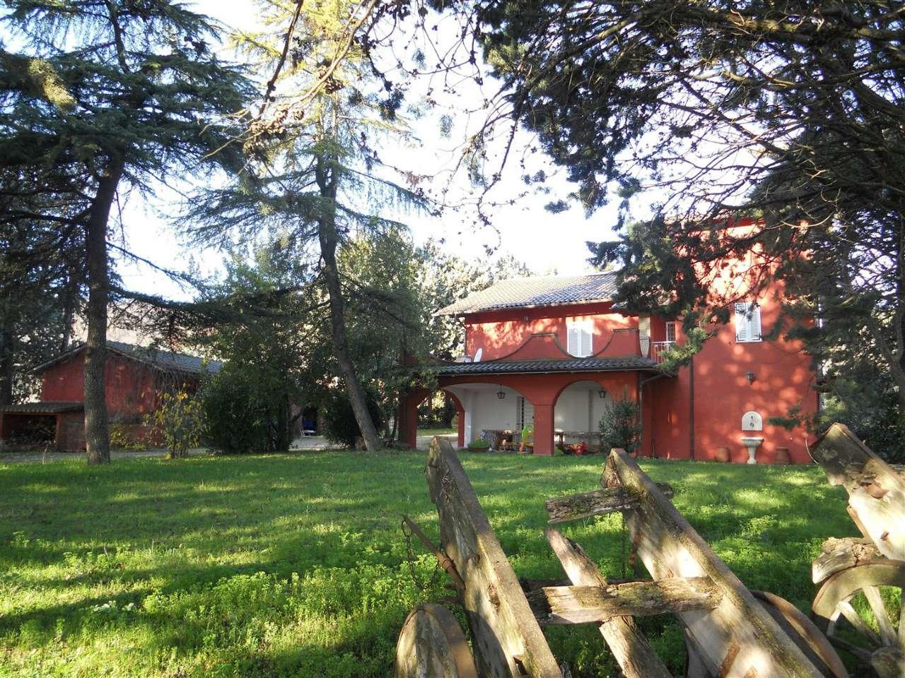 Villa in vendita a Perugia, 7 locali, Trattative riservate | Cambio Casa.it