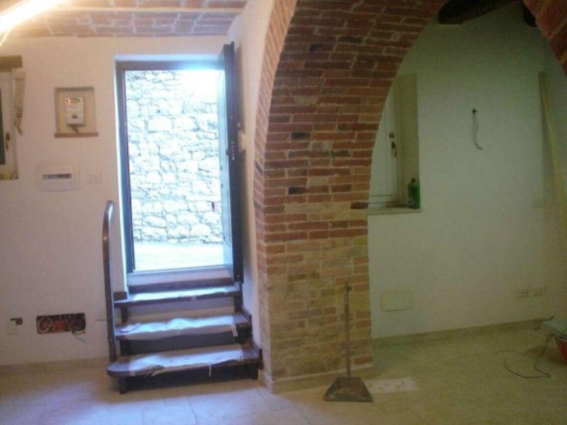 Appartamento in affitto a Corciano, 2 locali, prezzo € 450   Cambio Casa.it
