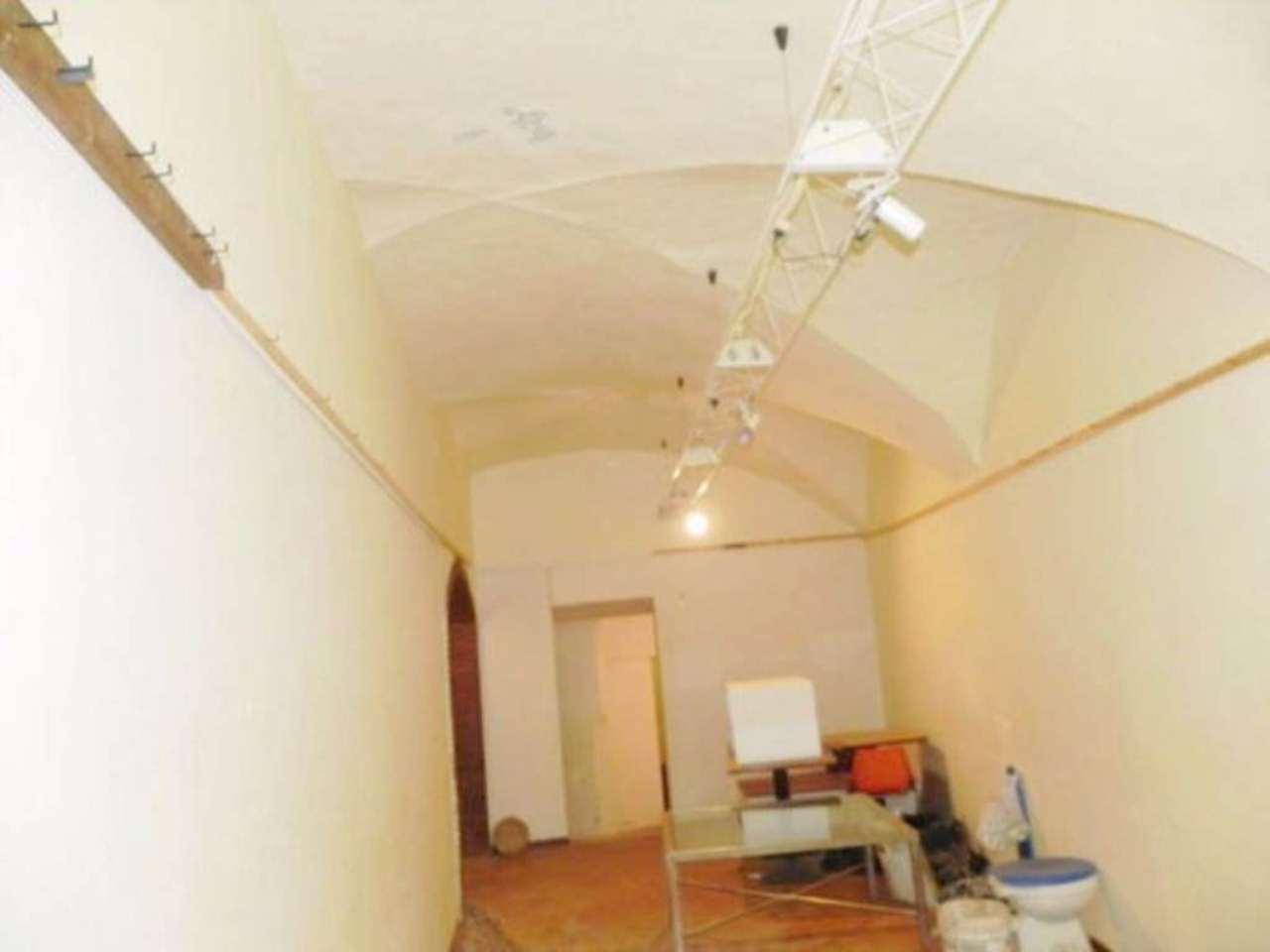 Negozio / Locale in affitto a Prato, 3 locali, prezzo € 800 | Cambio Casa.it