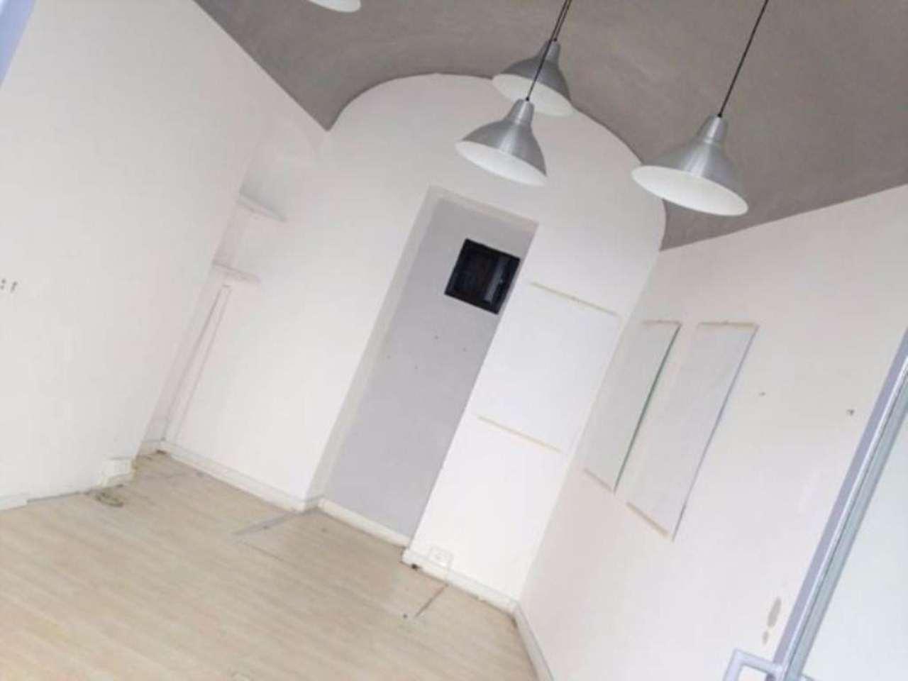 Negozio / Locale in affitto a Prato, 1 locali, prezzo € 350 | Cambio Casa.it