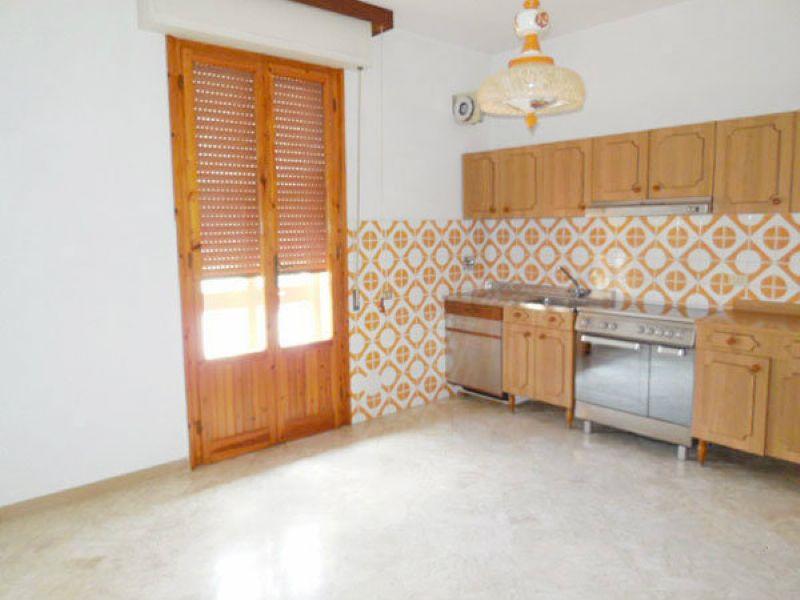 Appartamento in vendita a Vernio, 4 locali, prezzo € 109.000 | Cambio Casa.it