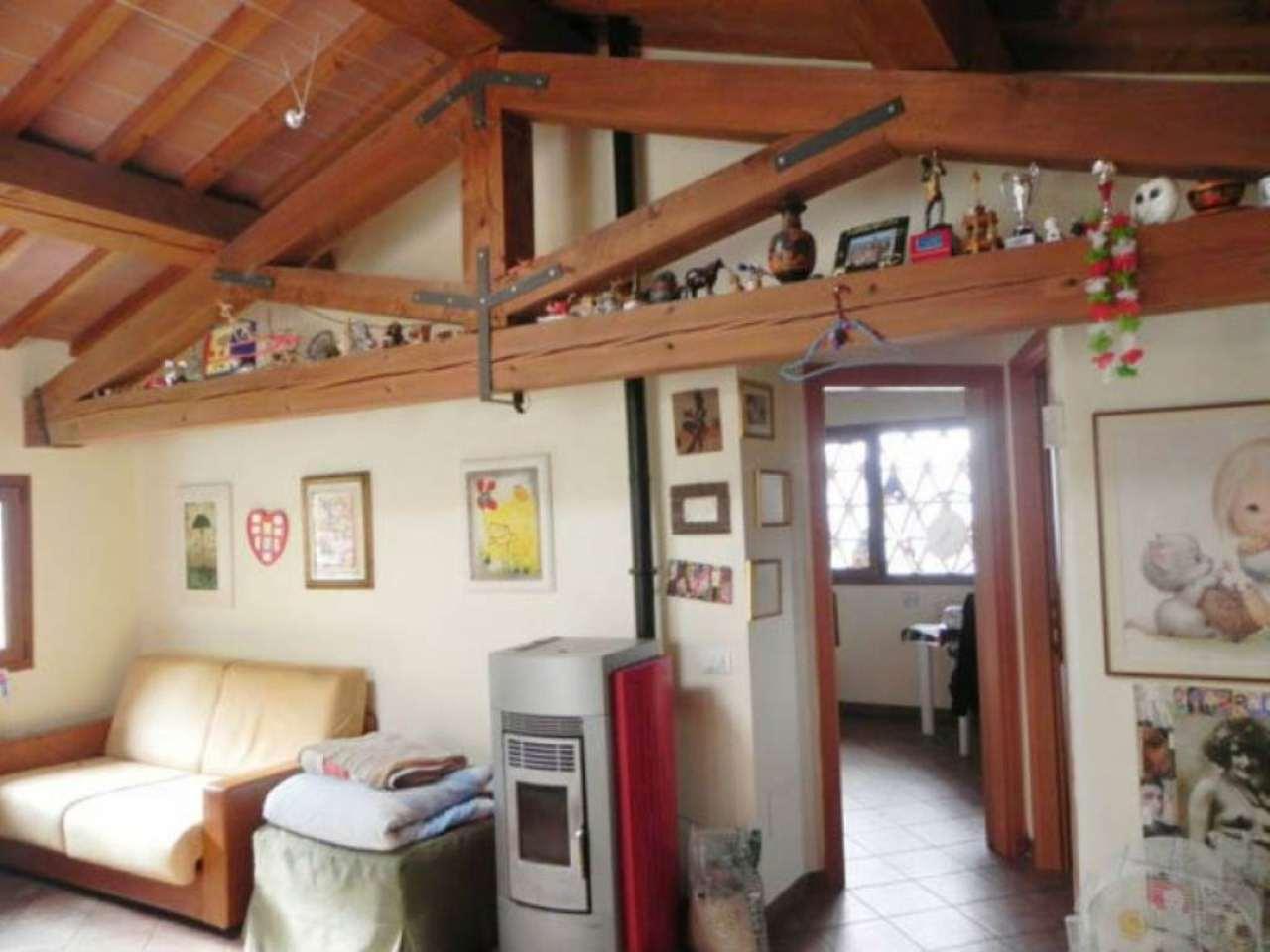Appartamento in vendita a Vaiano, 10 locali, prezzo € 630.000 | Cambio Casa.it