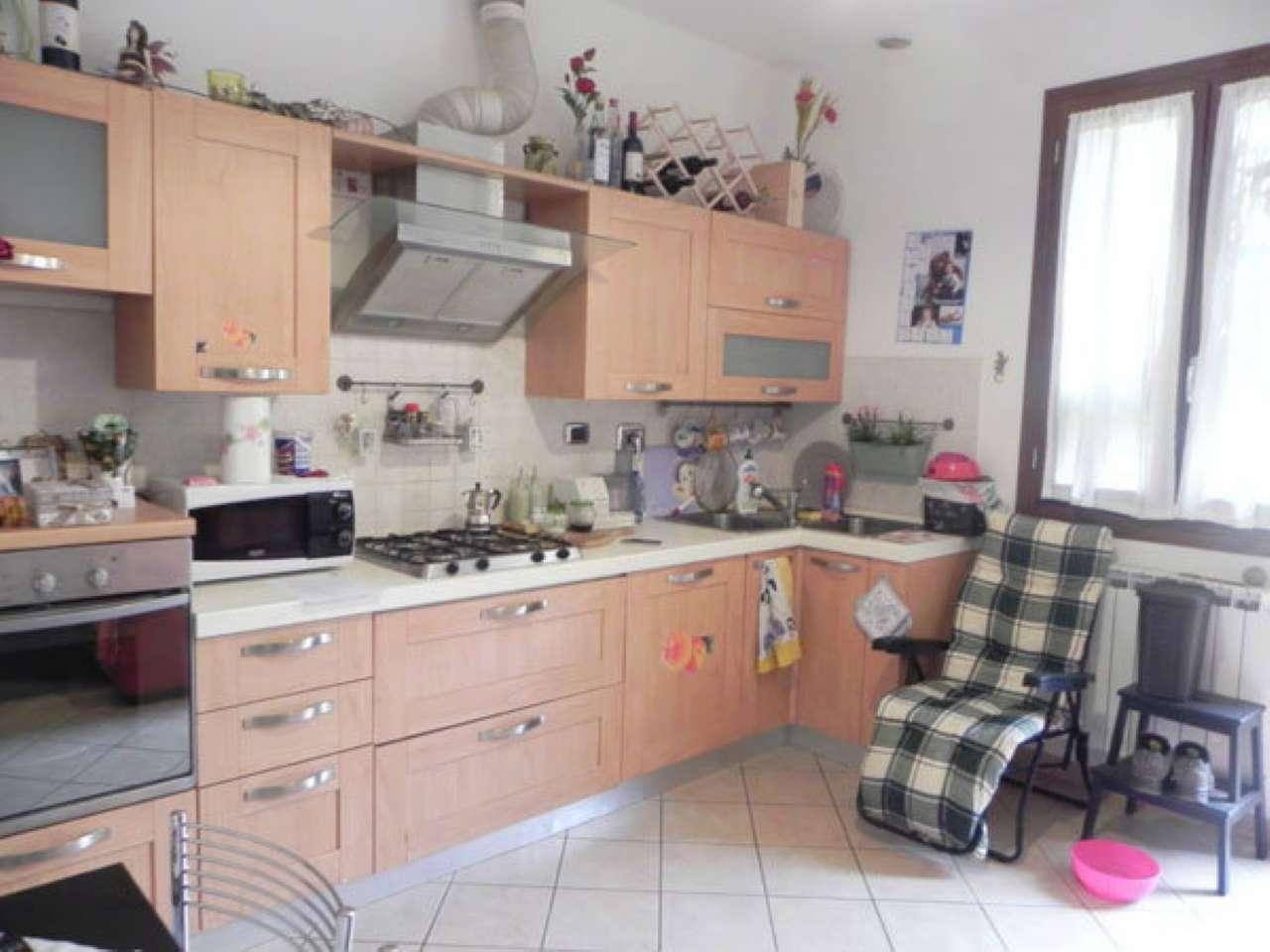 Soluzione Indipendente in affitto a Vaiano, 2 locali, prezzo € 530 | Cambio Casa.it